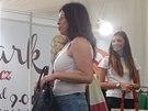Kabelku Ferragamo, kterou do aukce věnovala Monika Babišová, se podařilo vydražit za rekordních osm tisíc korun.