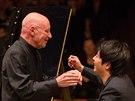 Klavírista Lang Lang a dirigent Christoph Eschenbach v Obecním době (22. května...