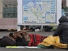 Témeř na konci cesty. Stovky uprchlíků v Calais na severu Francie čekají na