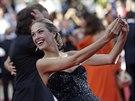 Petra Němcová na premiéře filmu Two Days One Night (Cannes, 20. května 2014)