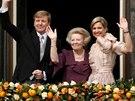Nizozemská královna Beatrix předala trůn synovi Willemu-Alexanderovi a jeho...