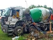 Domíchávač betonu, který havaroval v Ostravě-Svinově. (26.5.2014)