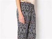 """Aktu�ln� australsk� trend: kalhoty """"mrkv��e"""". Tyhle jsou od tamn� zna�ky..."""