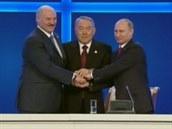 Prezidenti Běloruska, Kazachstánu a Ruska podepsali v Astaně smlouvu o...