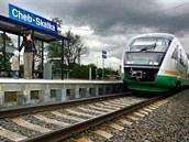 Vnitrozemní dráty vedou do stanice Cheb-Skalka. Dál u� vlaky jet nemohou.