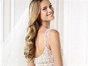 Svatební šaty z kolekce Atelier Pronovias 2014, model Yaneida