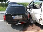 Zřejmě kvůli mikrospánku řidiče se u Jaroměře střetla postupně čtyři auta...