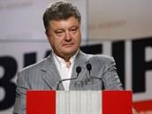 Prezidentský kandidát Petro Porošenko na tiskové konferenci (Kyjev, 26. května...