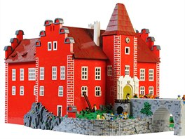 Uj�d�me na kostk�ch - nejv�t�� v�stava LEGO model� v �R za��n�. Foto: �erven�...