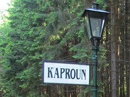 Zast�vka Kaproun le�� na trati �zkokolejky z Jind�ichova Hradce do Nov�...