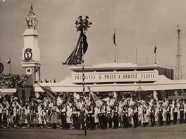 Celostátní spartakiáda, 1960 (z výstavy Hudba a politika)