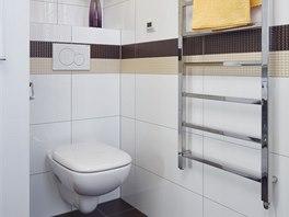 Otopný žebřík je určený primárně k sušení ručníků, aby se v koupelně