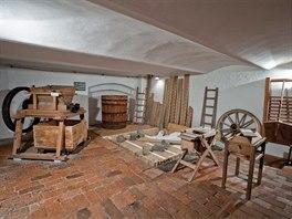 Prohlídka v Muzeu tvarůžků v Lošticích začíná ve sklepě, kde je dokumentováno...