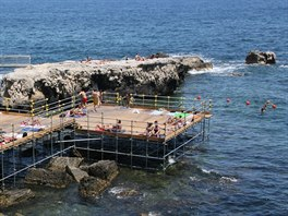 V l�t� je ostrov pln� turist�, ale v zim� se vrac� typick� sicilsk� atmosf�ra.