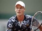 �esk� tenista Tom� Berdych b�� k m��ku v utk�n� 3. kola Roland Garros.