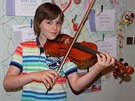 Lukáš má vícer než stoleté housle po strýcovi.