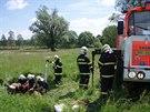Hasiči zachránili ve Studénce klisnu, která se topila ve strouze. (31. května...