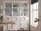 Bílá kuchyň pohlcuje pouhá čtyři procenta světla, je tedy ideální do tmavších