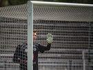 Královehradecký gólman Tomáš Koubek v akci v zápase proti Vltavínu