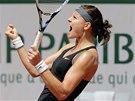 JE TO TAM. Česká tenistka Lucie Šafářová slaví postup do osmifinále Roland