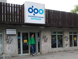 Prodejna jízdních dokladů na Vojanově ulici v centru Ostravy končí. (30. května...
