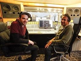 Producenti Ido Zmishlany a Yaron Fuchs ve studiu Sono během natáčení sedmé...