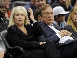 Donald Sterling s manželkou Shelly sledují zápas basketbalového klubu Los