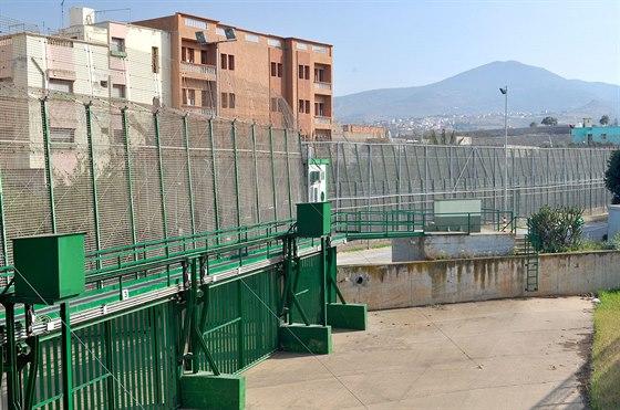 Hranice dvou světů. Hraniční bariéra pohledem ze Španělska