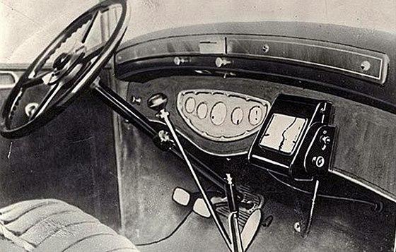 Automobilová navigace Iter Avto z 30. let dvacátého století