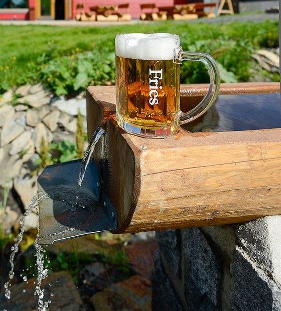 Pivo Fries se vaří v penzionu Andula z pramenité vody, která vyvěrá na...