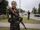 Jeden z prorusk�ch separatist� v Don�cku (31. kv�tna 2014)