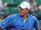 NEDA�� SE. Americk� tenista John Isner si zouf�, v utk�n� s Berdychem ve 4....