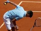Srbský tenista Novak Djokovič v semifinále Roland Garros rozstřískal raketu.