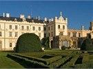 Tradičním účastníkem Víkendu otevřených zahrad je zámek Lednice