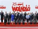 Americký prezident Obama a polský prezident Komorowski pózují společně s lídry...