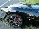 Luxusní Maserati skončilo v příkopu (4.6.2014)
