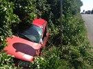 Při dopravní nehodě u Mochova vjel řidič tohoto automobilu do protisměru, sám...