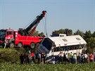Při nehodě podle informací záchranné služby zemřeli čtyři lidé ve věku kolem 15...
