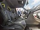 Yeti Xtreme má čtyřmístný interiér, každý pasažér má výrazně tvarované...