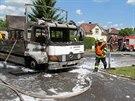 Požár nákladního automobilu u benzinky v Dobřichovicích. (6. června 2014)