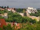 Demolice dejvického hotelu Praha z Ořechovky. (28. května 2014)