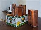 Artefakty zaletované pro budoucí generace do  kovových schránek poputují do...