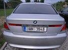 Policisté zabavili u trojice obviněné ze zpronevěry 70 milionů luxusní auta a...