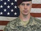 Seržant Bowe Bergdahl, kterého hnutí Taliban po pěti letech propustilo výměnou