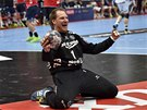 Brankář SG Flensburg-Handewitt Mattias Andersson se raduje z triumfu v Lize