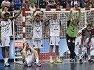 Zklamaní házenkáři Kielu po porážce ve finále Ligy  mistrů.