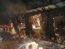 Při velkém požáru shořela v Troubelicích garáž i se dvěma zaparkovanými auty....