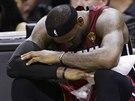 LeBron James z Miami se v prvním finále NBA potýkal s křečemi a utkání ani...