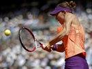 Rumunská tenistka Simona Halepová ve finále Roland Garros proti Marii Šarapovové