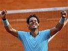 ŠAMPION. Rafael Nadal slaví další titul z pařížského Roland Garros.